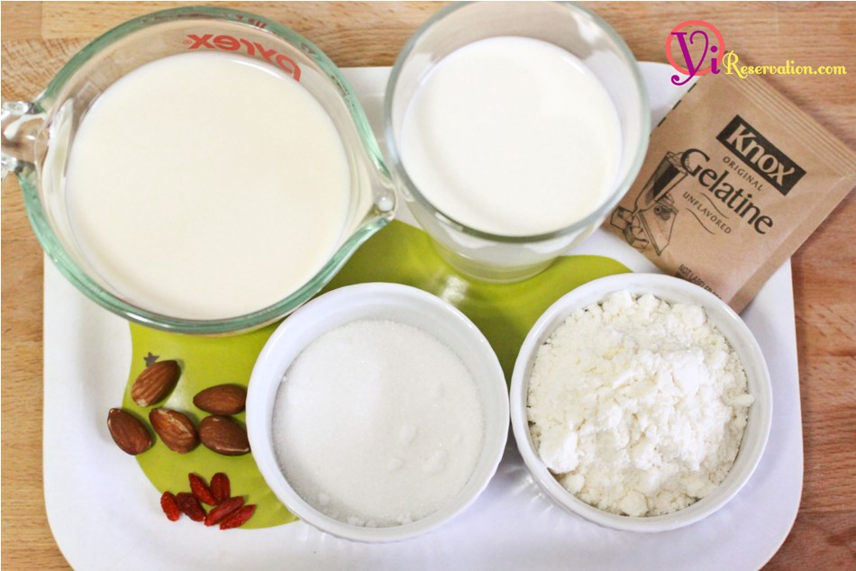 dessert labeled almond jelly or almond pudding in different places