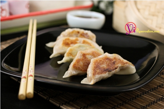 Post image for Potstickers (Fried Dumplings) 鍋貼