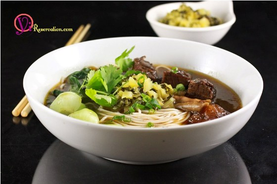 Post image for Spicy Beef Noodle Soup Recipe (四川紅燒牛肉麵)