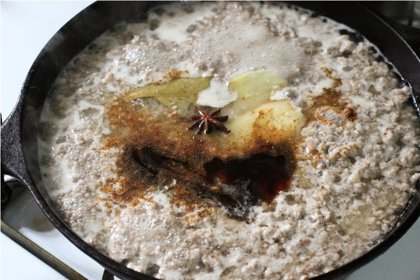 Taiwanese Minced Pork Sauce over Rice (肉燥飯)