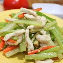 Healthy Quick Stir-Fry – Chicken with Celery (西芹雞絲)